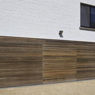garagepoort stucco hout